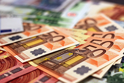 Wetsvoorstel lenen bij eigen bv aangehouden